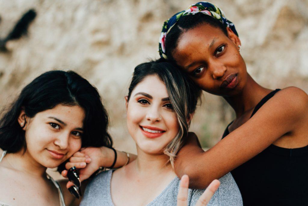 Unsplash: Kostenlose Fotos für deine Website (Diversity und Inklusion)